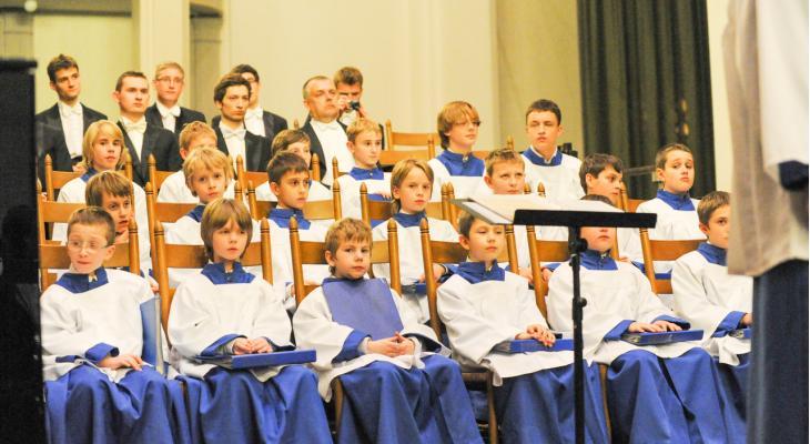 Kerstconcert De Bazuin met Pool jeugdkoor en solisten