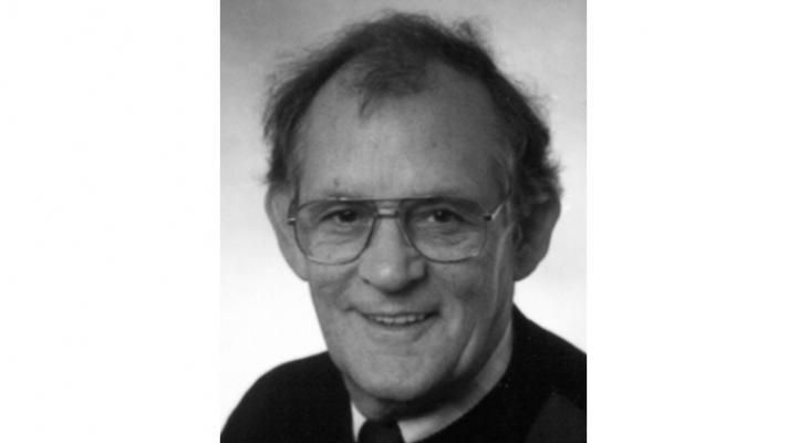 Oud-dirigent en jurylid Guus Erkens overleden
