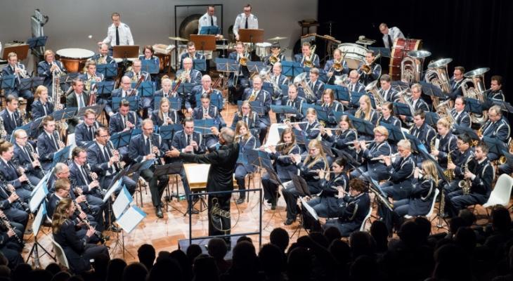 Blauw van Eijsden speelt Schumann'sKonzertstück für 4 Hörner