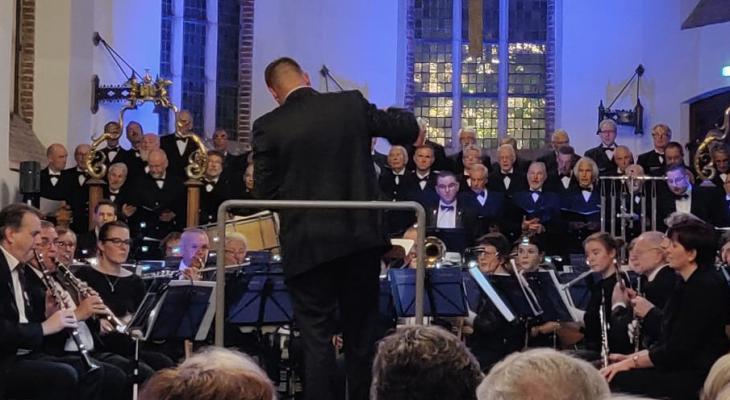 Ons Genoegen Vlissingen zoekt een dirigent