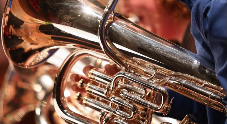 Kerstconcert door Brassband Wirdum met shantykoor