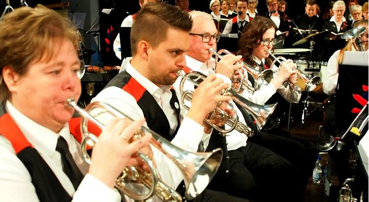 Concert door brassbands Venlo en Merum