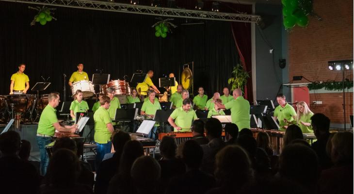 St. Caecilia Hoeven zoekt dirigent voor drum- en malletkorps