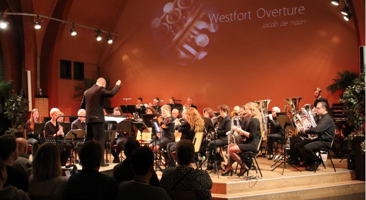 Rozenburgse Harmonievereniging UDI zoekt dirigent