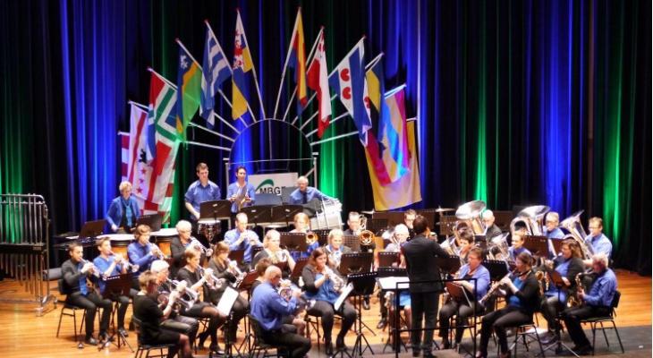 De Bazuin Scheerwolde zoekt een dirigent(e)