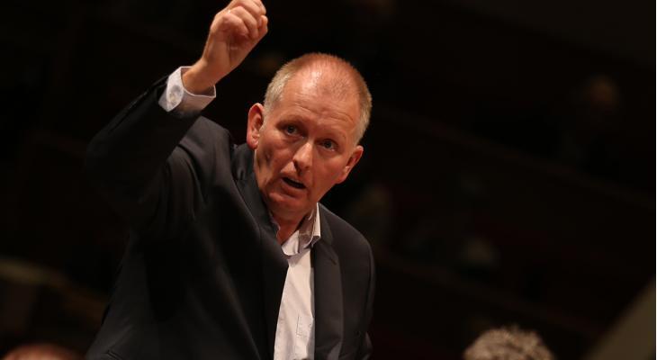 <p>Rijnmondband verrast met Anno Appelo als dirigent</p>