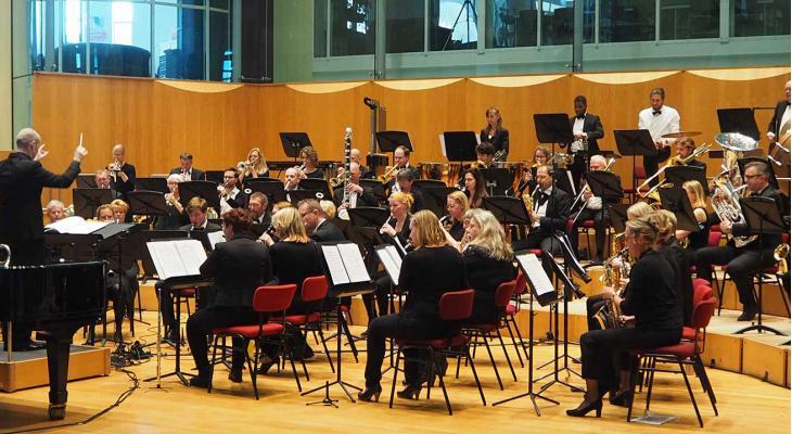 Groot Excelsior Amsterdam zoekt dirigent