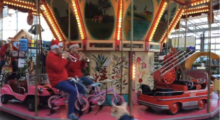 Brassband Apeldoorn te zien in kerstclip