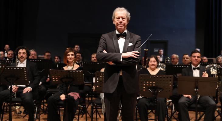 'Harmonieorkest past bij de aard van het Spaanse volk'