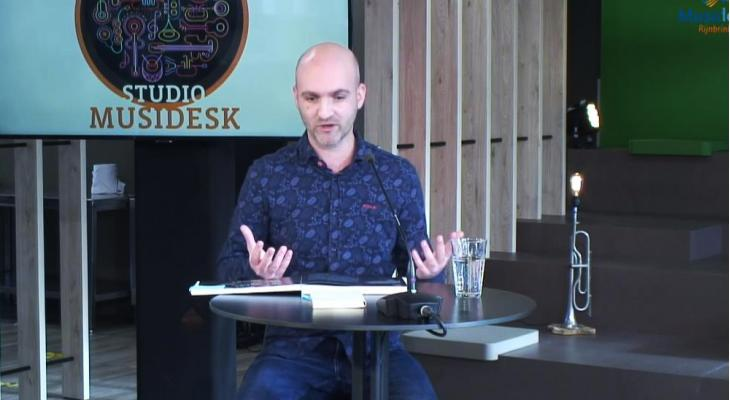 <p>Studio Musidesk met 'Dromen over de Toekomst' door Thijs Hazeleger</p>