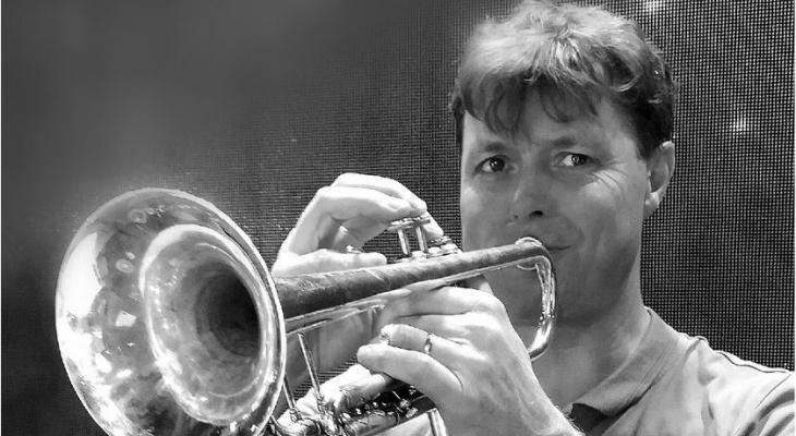 Trompetles van topblazer Loet van der Lee