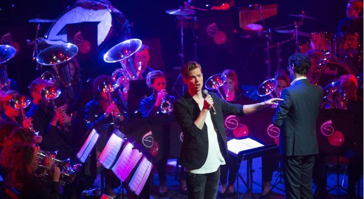 Musicalster Oedo Kuipers verrast op Spavo Spring Concert