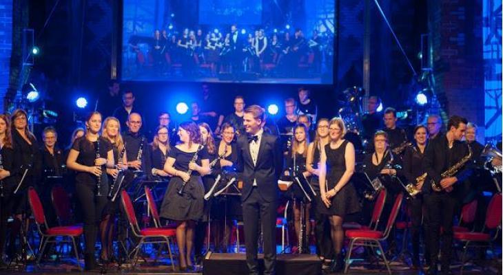 Harmonie Oefening Standdaarbuiten zoekt dirigent