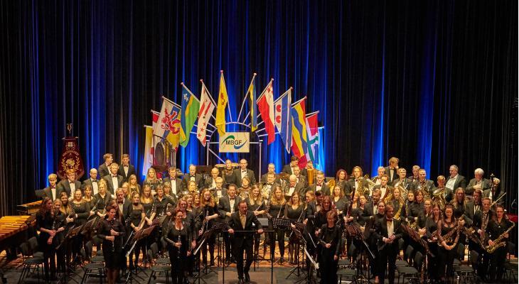 Vriezenveense Harmonie met jubileumspektakel Harmonie!