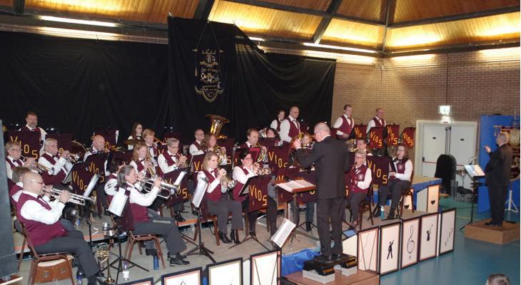 Vios Hoenderlo zoekt een dirigent