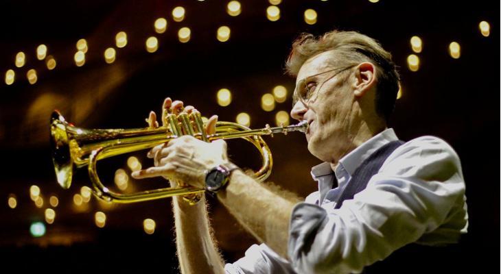 Jazztoppers aan de slag met jeugdige muzikanten