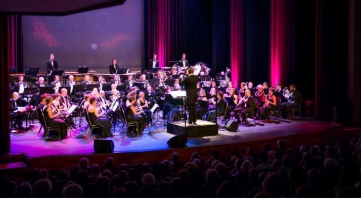 Barnevelds Philharmonisch Orkest met Tommie Christiaan en Floortje Smit