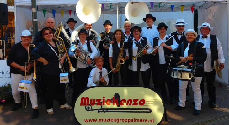 Play-in bij amusementsorkest Muziekenzo