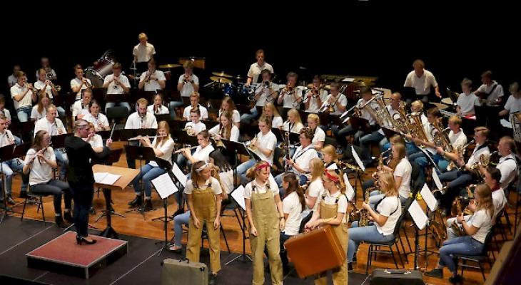 Twents Jeugd Harmonie Orkest met InsecTJHOtel