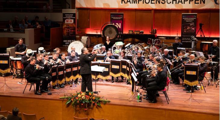 Showcase vol brassbandmuziek met brassband Rijnmond