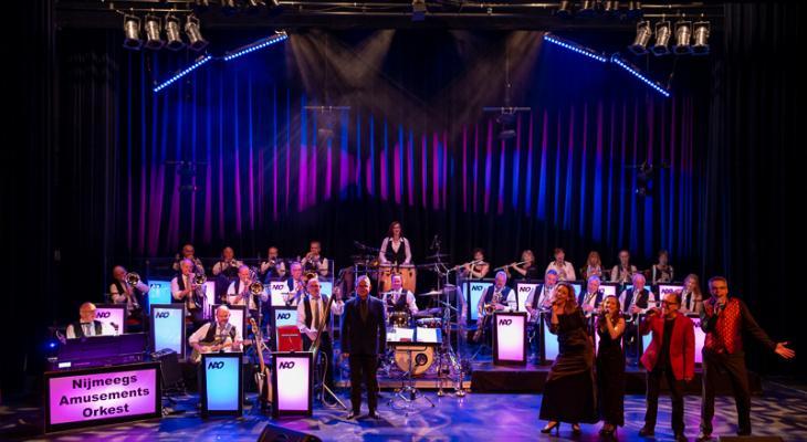 Showconcert door Nijmeegs Amusements Orkest (NAO)