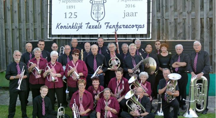 Koninklijk Texels Fanfarecorps zoekt dirigent