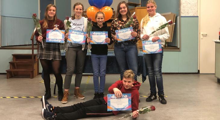 UNI Katwijk trots op zes geslaagde muzikanten