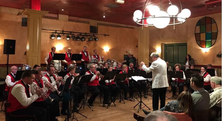 Harmonie Amicitia/Soelen zoekt dirigent