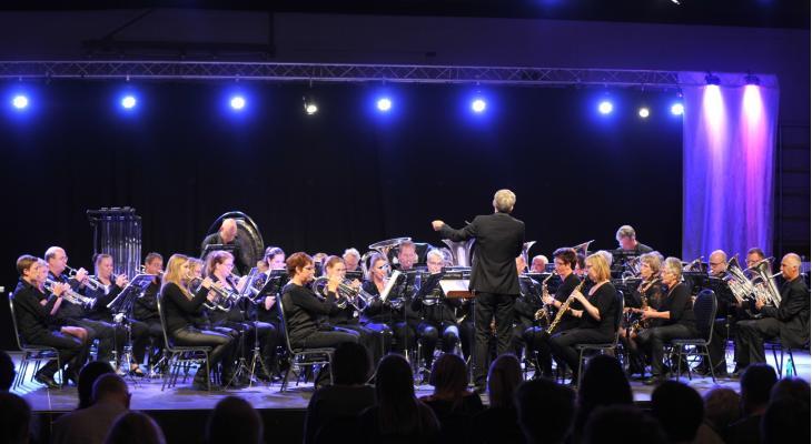 Galaconcert 100 jaar Crescendo Heeg met première