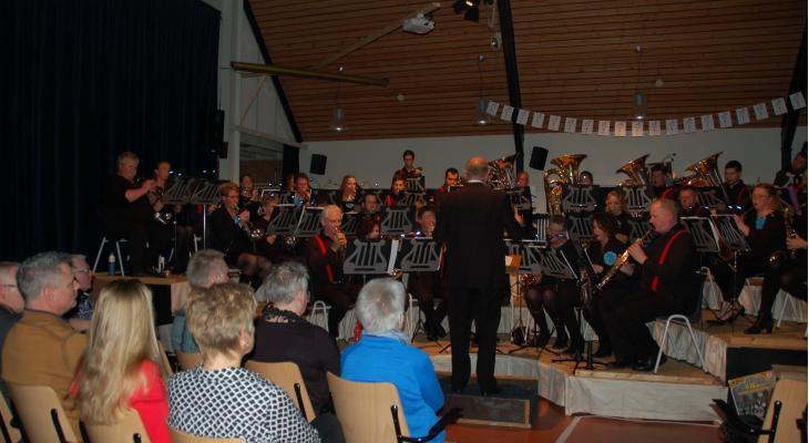 Publiek geniet bij Looft den HeerBoornbergum