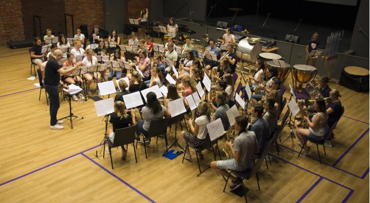 Brabantse jeugd speelt met Luchtmachtorkest