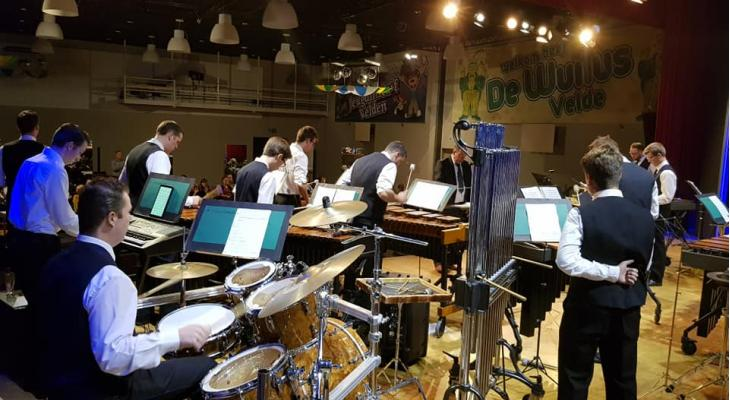 Drumband Fanfare Velden zoekt dirigent/instructeur
