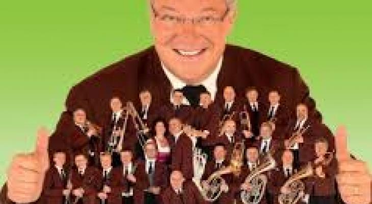 6. Fest der Blasmusik met 22 kapellen en Ernst Hutter