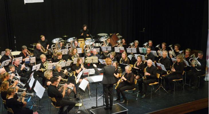 Ons Genoegen Wognum zoekt dirigent fanfare en brugorkest