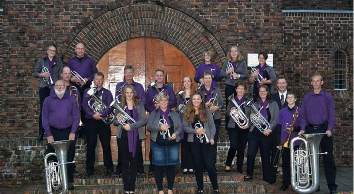 Brassband Wilhelmina Kollum zoekt dirigent(e)