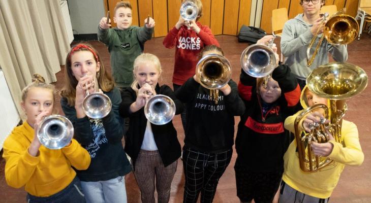 De Kriich spint garen bij Nationale Muziekloterij