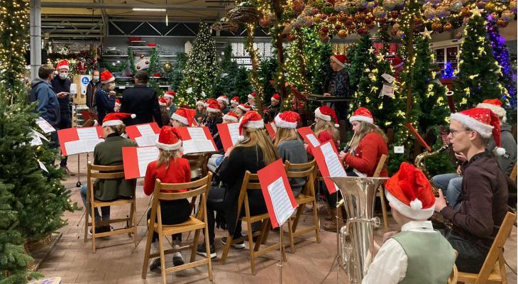 L1 bezoekt orkesten uit heel Limburg voor kersteditie van Blaaskracht