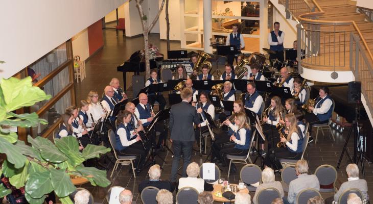 Excelsior Lonneker zoekt dirigent voor harmonieorkest
