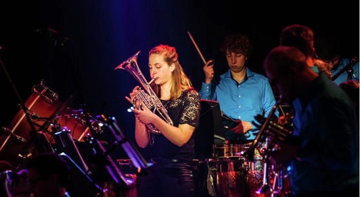 Brass, pop en soul op nieuwjaarsconcert De Wâldsang