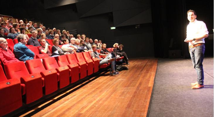 110 deelnemers aan workshop 'Jongeren porren voor muziek'