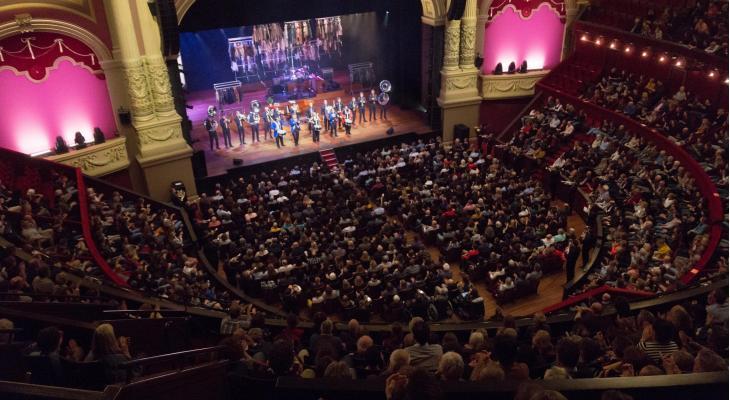 Adest Brass schittert in Koninklijk Theater Carré