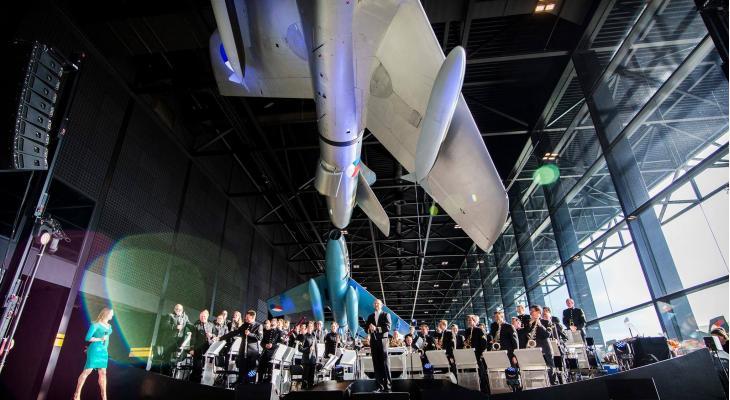 Orkest van de Koninklijke Luchtmacht bij jubileum in Asten