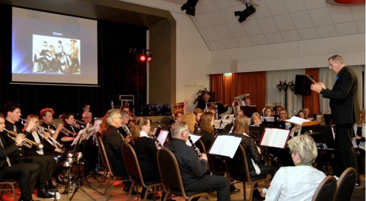Harmonieorkest Euphonia Nijeveen zoekt dirigent