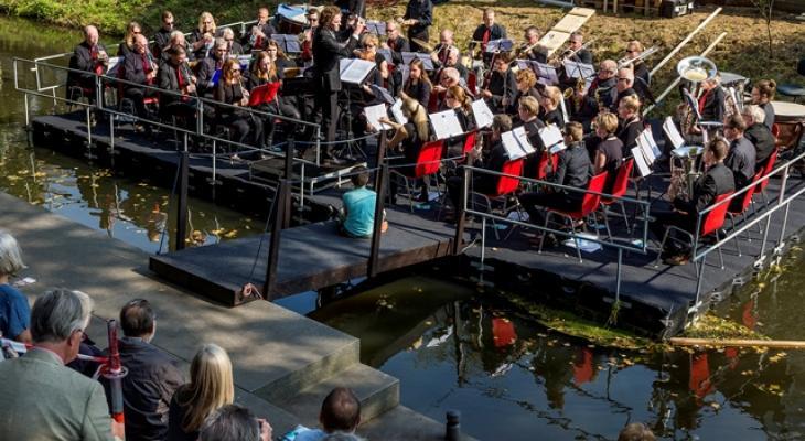 Pontonconcert door Boxtel's Harmonie