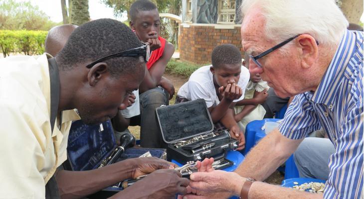 In oktober vlucht met Nederlandse instrumenten naar Oeganda