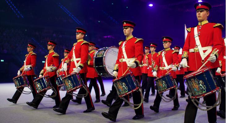 Showkorpsen promoten Proud on Stage met gratis optreden