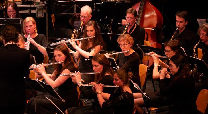 Harmonie Arti Alphen met Meer dan Finlandia